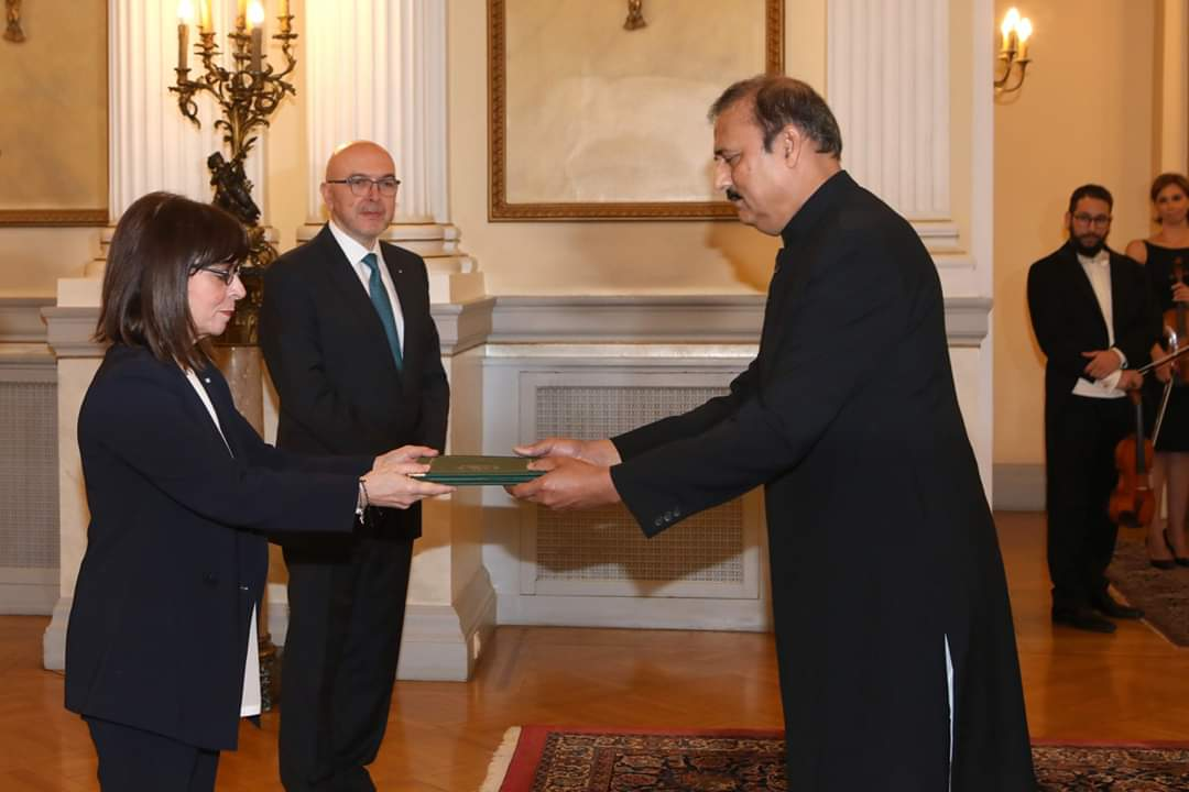 Presentation of Credentials by Ambassador of Pakistan to President of Greece